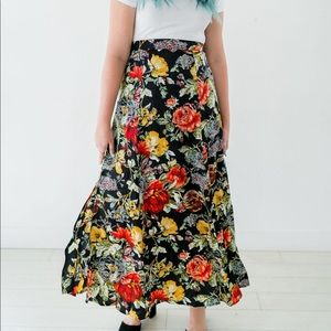 Dresses & Skirts - Floral print maxi skirt